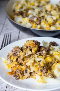 This cauliflower and ground beef hash is an easy low carb dinner that you can fit in any night of the week. And, boy, does it fill you up! When my husband is low carbing, easy go-to meals are a must