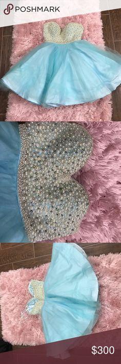 La femme prom dress/party dress Selling the dress I wore to prom. It sadly no longer fits me La Femme Dresses Strapless