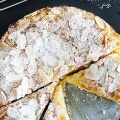 Lemon Ricotta and Almond Cake. Flourless lemon ricotta and almond cake. A light lemony cake that is moist and with a beautiful texture. Lemon Recipes, Sweet Recipes, Baking Recipes, Cake Recipes, Dessert Recipes, Gluten Free Cakes, Gluten Free Baking, Gluten Free Desserts, Gluten Free Almond Cake