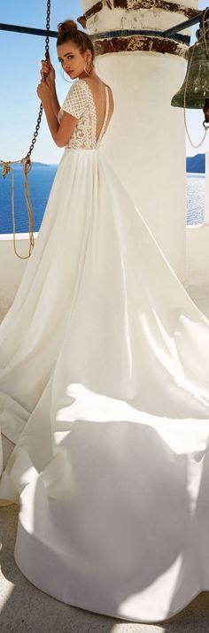 Eva Lendel Wedding Dress Collection 2017