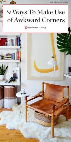 Awkward corners are something we all deal with no matter how big our budgetsor our homesare. With some creativity you can fix this common layout issue. Corner Entertainment Unit, Corner Shelving Unit, Wall Shelves, Corner Space, Small Space Solutions, Storage Solutions, Office Nook, Home Office Design, House Design