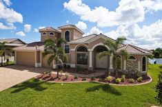 Villa Majestic - eine außergewöhnliche Villa in herrlicher Lage Villa, Florida, Mansions, House Styles, Home, Decor, Gulf Of Mexico, Seating Areas, Decoration