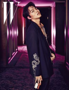 Yes, he's 18 (or 20 in Korea), but W Korea is rushing for Yeo Jin Goo to be all grown up. In its latest issue, the young star of the new drama Jackpot becomes an edgy man of the night, hangin…