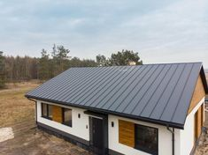Realizacje - Balker - Producent domów prefabrykowanych. Domy z keramzytu A Frame House Plans, Roof Design, Facade House, Metal Roof, House In The Woods, Decoration, Shed, Exterior, Outdoor Structures