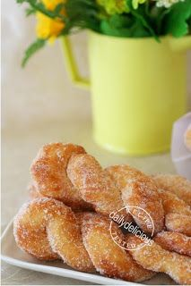 dailydelicious: Puffy Twist Donut: Easy treats for everyone! - Monika Costea - dailydelicious: Puffy Twist Donut: Easy treats for everyone! dailydelicious: Puffy Twist Donut: Easy treats for everyone! Twist Donut Recipe, Donut Recipes, Pastry Recipes, Baking Recipes, Dessert Recipes, Breakfast Recipes, Homemade Pastries, Homemade Donuts, Sugar Dough