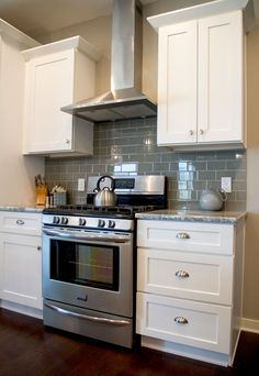 <b>Beautiful, Durable, & Affordable Cabinets for your Kitchen</b><br>Transform your kitchen with our gorgeous premium Grade A (CARB2 Certified) Shaker White RTA cabinets.</p><p><b>What's Included:</b></p><p>• 1 Bridge Wall Cabinet - 30 x 12 x 12<br>• 1 Wa