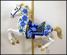 My second Carousel Horse - HOME SWEET HOME - I finally finished my second Carousel Horse. Rocking Horse Plans, Rocking Horses, Carosel Horse, Dragon Crafts, Wooden Horse, Painted Pony, Horse Crafts, Horse Art, Unicorn Party