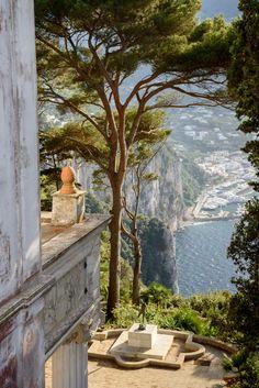 Villa Lysis in Capri, Italy Beautiful World, Beautiful Places, Places To Travel, Places To Visit, Travel Destinations, Romantic Destinations, Northern Italy, Travel Aesthetic, Architecture