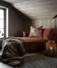 Cabin Interior Design, Interior Design Inspiration, Room Inspiration, House Design, Dark Cozy Bedroom, Cabin Chic, Hygge Home, Swedish House, Cabin Interiors