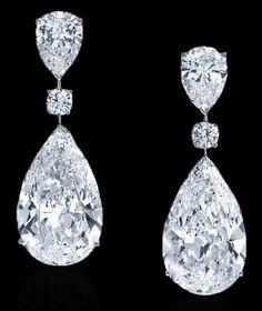 "The Graff Twin Stars Diamond Earings Love my Graff bling Earring, so this means ""earring"" Diamond Drop Earrings, Pearl Stud Earrings, Diamond Studs, Diamond Pendant, Sterling Silver Earrings, Diamond Jewelry, Wedding Earrings, Wedding Jewelry, Prom Earrings"