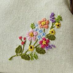Lovely embroidered flower purse by Aki