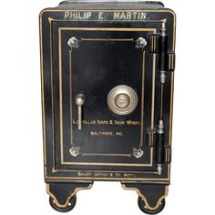 Want to know how to crack a safe the easiest way possible? Let's now learn the best tips, techniques and methods on how to crack a safe like James Bond. Combination Safe, Antique Safe, Personal Safe, Bank Safe, Cast Iron, It Cast, Hotel Door, Electronic Lock, Flat Ideas