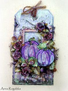 Annar-Moje Pasje, Tag with purple pumpkins and flowers