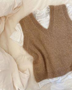 The Balloon Jacket – PetiteKnit Knit Vest Pattern, Sweater Knitting Patterns, Neck Pattern, Mode Outfits, Fall Outfits, Fashion Outfits, Trendy Outfits, Knit Fashion, Look Fashion