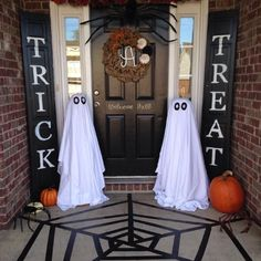 Diy halloween crafts for kids to make halloween diy, halloween house deco. Homemade Halloween Decorations, Theme Halloween, Halloween Home Decor, Holidays Halloween, Halloween Crafts, Happy Halloween, Scary Halloween, Vintage Halloween, Outside Halloween Decorations