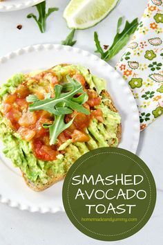 Super easy and totally nutritious, Smashed Avocoado Toast is pefect for ANY TIME of day. Creamy mashed avoacdo on toasted bread. Like eating guacamole on toast. Easy avocado recipe. Healthy eating. Easy meal ideal. Delicious Breakfast Recipes, Brunch Recipes, Easy Dinner Recipes, Yummy Recipes, Vegetarian Recipes, Snack Recipes, Easy Meals, Healthy Recipes, Snacks