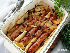 Ala piecze i gotuje: Kiełbasa pieczona z cebulą jabłkiem i żurawiną