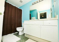 2nd Bathroom #EmeraldCoast #Destin #Vacation #Relax #DestinPalmsVacations #Condo #SunAndSand #Beach #Ciboney #MakeMemories #EmeraldWater #SugarWhiteSand #Florida