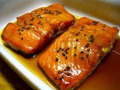 Honey Glazed Salmon – Chasing The Lion – Chasing The Lion – The Adventure of Kenn & Megan Teriyaki Salmon, Fish Recipes, Seafood Recipes, Yummy Recipes, Salmon Dishes, Scallop Recipes, Glazed Salmon, Grilled Salmon, Gastronomia