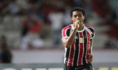 Keno vem sendo destaque do Santa Cruz na atual temporada com 15 gols marcados em…