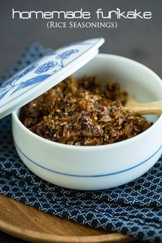 Homemade Furikake (Japanese Rice Seasoning) - Homemade furikake rice seasoning made with kombu and katsuobushi. This quintessential Japanese rice seasoning is fabulous on rice of course, but also on onigiri, udon noodles, soup, salad, popcorn and more. #asianricerecipes #riceseasoningrecipe #japanesefood #japanesecondiments #furikakerecipe #furikakeflakes #ふりかけ| Easy Japanese Recipes at JustOneCookbook.com