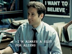 I love Aliens- David Duchovny♥️♥️♥️ David Duchovny, Dana Scully, Aliens, The X Files, Roman, Memes, Star Wars, Mood, My Tumblr