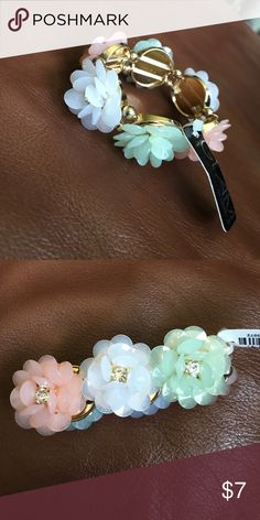 Flower Bracelet Never worn. Elastic based flower bracelet. Ardene Accessories