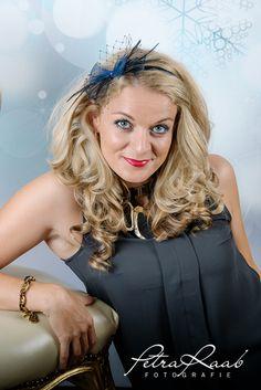 25,-  //  Haarreifen mit feinem Schleifchen in schwarz,blau von Perle-Wismer auf DaWanda.com