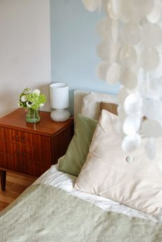 Maya: Elefanter kan fly med ballonger Bed Pillows, Pillows, Pillow Cases, Bed, Home, Bedroom