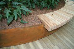 Zitrand van cortenstaal en hout, abk-outdoor.com