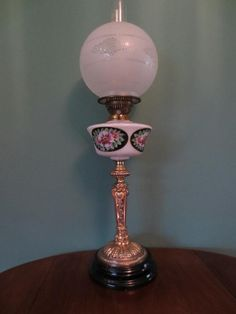 ANTIQUE/ART NOUVEAU (C1900) OIL LAMP- HAND PAINTED WHITE FONT-ETCHED GLOBE SHADE #ArtNouveauArtDecoVictorian #Lamps