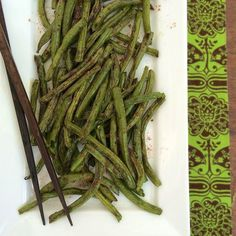 Chinese five spice powder spices up your typical green beans. Healthy Food Blogs, Good Healthy Recipes, Whole Food Recipes, Chinese 5 Spice, Chinese Five Spice Powder, Fun Easy Recipes, Side Recipes, Vegetable Sides, Vegetable Recipes