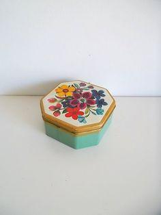 Vintage tin 1950's Italian Tin Dufour collectable by BravaVintage, $17.50