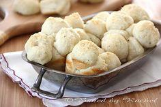 Garlic Monkey Bread - bakedbyrachel.com