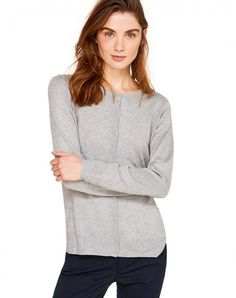 Shop Crew neck cardigan gray for Cardigans at the official United Colors of Benetton online shop.