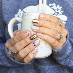 When you're under the weather and having a hoodie day, but gosh darn it your nails are fabulous ✨ Cheers to finding your happy in the little things! Cute Nail Art, Cute Nails, Pretty Nails, Perfect Nails, Gorgeous Nails, Hair And Nails, My Nails, Fashion Trends 2018, Nails 2018