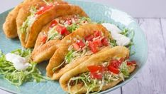 Trust us, this is every bit as good as the real thing! Save the recipe for Copycat Taco Bell Chalupa! Restaurant Dishes, Restaurant Recipes, Shake Recipes, Copycat Recipes, Quesadillas, Burritos, Taco Bell Chalupa, Taco Bell Gordita Recipe, Thanks