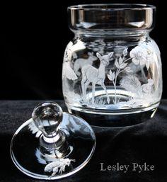 Decorative Glass Engraving, Gourd Art, Elegant Table, Glass Etching, Dremel, Glass Art, Carving, Diy Crafts, Glasses