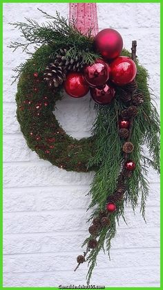 Door decorations for the Advent season # front door # Christmas tree balls . - Door decorations for the advent season door tree balls You - Easy Christmas Ornaments, Christmas Door Decorations, Christmas Flowers, Christmas Centerpieces, Holiday Wreaths, Simple Christmas, Christmas Home, Christmas Crafts, Red Ornaments
