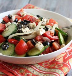 Cucumber Tomato Salad seasoned with dill and fresh basil in a homemade vinaigrette is an easy, healthy and flavorful side salad! Summer Salad Recipes, Summer Salads, Cucumber Recipes, Tortellini, Greek Cucumber Salad, Radish Salad, Clean Eating, Healthy Eating, Cooking Recipes