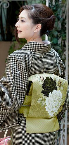 Cute, washable outfits from Kimono Asobi (Having Fun in Kimono)! (If you're interested, while you will need to read Japanese or use a translator… Kimono Japan, Yukata Kimono, Kimono Fabric, Traditional Japanese Kimono, Traditional Dresses, Japanese Outfits, Japanese Fashion, Modern Kimono, Japanese Costume