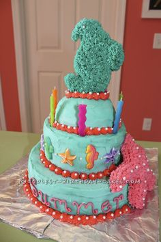 Coolest Seahorses and Starfish Birthday Cake... This website is the Pinterest of birthday cake ideas