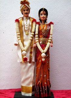 Indian Barbie wedding doll - reminds me of my sister's wedding in Pune India! Wedding Doll, Barbie Wedding, Barbie Bridal, Indian Wedding Couple, Wedding Couples, Barbie India, Couple Crafts, Diy Wedding Gifts, Diy Gifts