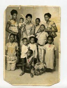 Oude familiefoto van het gezin van Gualbert