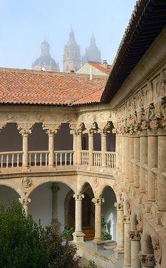 Convento de las Dueñas: Cloister, Salamanca Spain