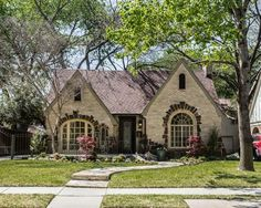 6/11/2015 list price $510K - 1770 sq ft. See this home on Redfin! 5534 Merrimac Ave, Dallas, TX 75206 #FoundOnRedfin