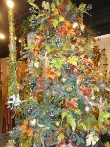 Pastel Peacock Christmas tree theme, Raz Imports, AmericasMart Atlanta Christmas decorating http://www.ShowMeDecorating.com