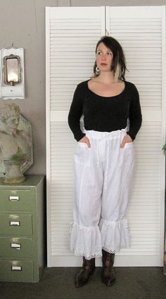 Xlarge 1X white eco upcycled Linen Pants Bloomers plus size Lagenlook knickers britches pantaloons French  prairie  cowgirl Shabby boho 20W