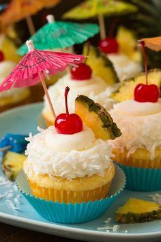 Piña Colada Cupcakes – These are the BEST! Taste just like a pina colada in cup… Piña Colada Cupcakes – These are the BEST! Taste just like a pina colada in cupcake form! Pina Colada Cupcakes, Hawaiin Cupcakes, Easy Cupcake Recipes, Dessert Recipes, Easy Recipes, Cupcake Recipes From Scratch, Bar A Bonbon, Hawaiian Luau Party, Hawiian Party
