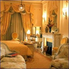 Suite in the Ritz hotel, where Lyndsey and Jack meet up